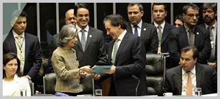 Ministra Cármen Lúcia entrega relatório de atividades do CNJ ao Congresso Nacional