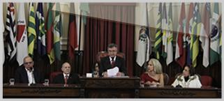 Jornalista Claudia Cataldi recebe t�tulo de Cidad� Niteroiense